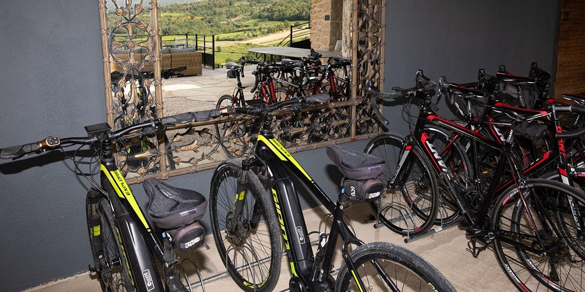 Le Mont Ventoux à vélo avec La maison de Crillon, hôtel de charme