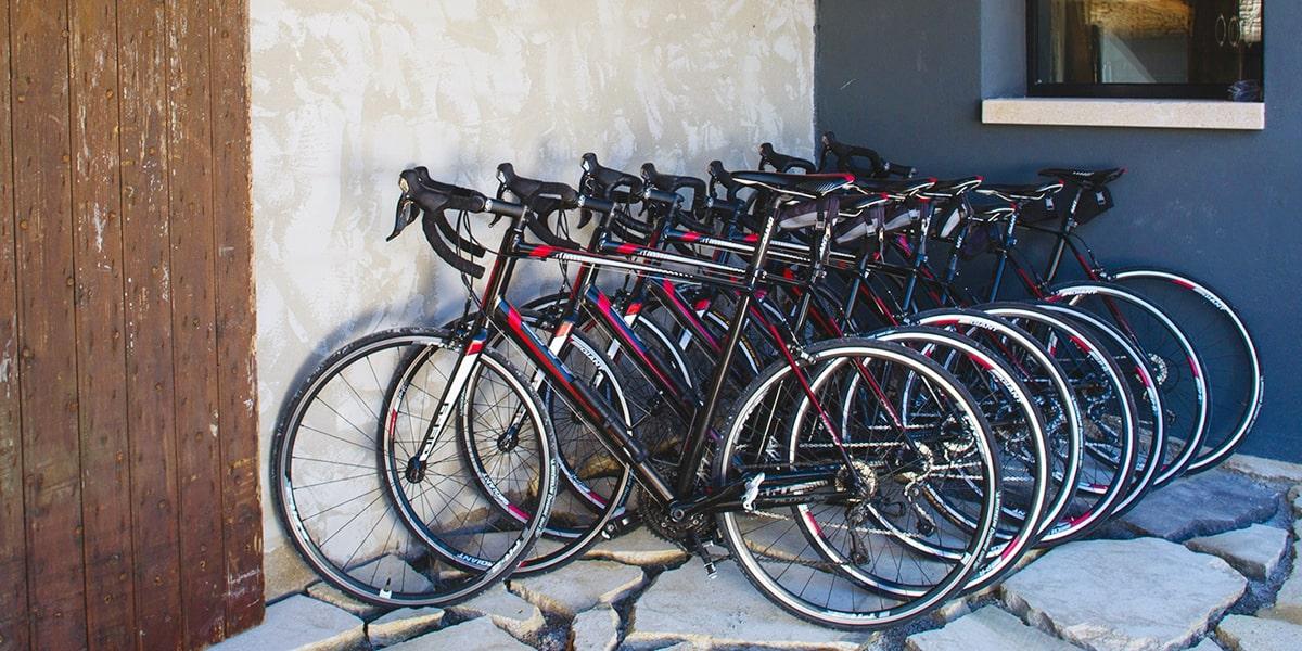 Des vélos à disposition pour gravir le Mont Ventoux - La Maison de Crillon - Hotel de charme
